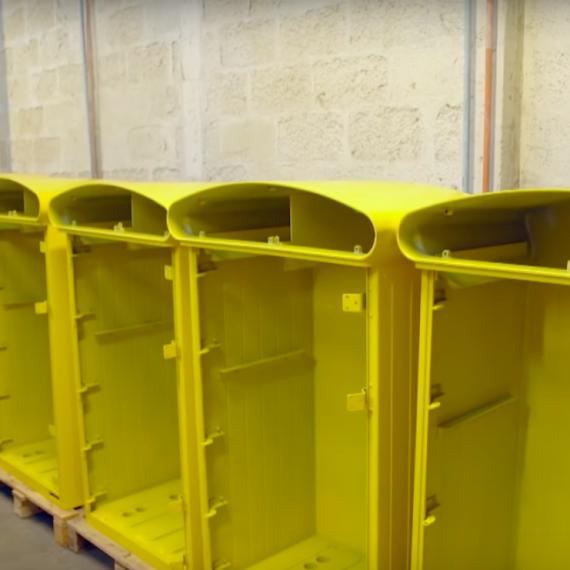 la boîte jaune
