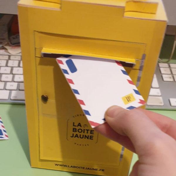Boite Jaune / Carte Cadeau / Paper toy